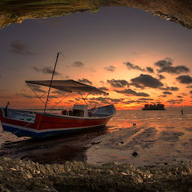 by PENDI KAMRI - Transportation Boats ( sky, landscapes, beautiful, sunset, beach, clouds, water )