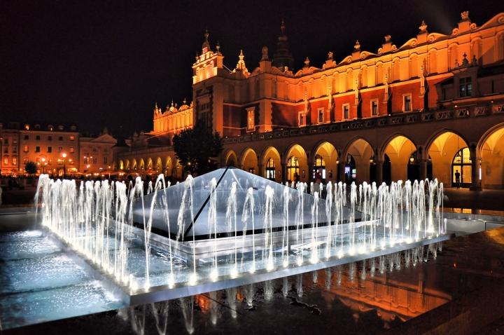 Piazza del mercato a Cracovia di nobiwan