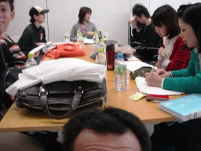 Photo: 2010年10月23日 本番前  東京国際映画祭 本番前、台本チェックに余念がない。 これから100分の長丁場。