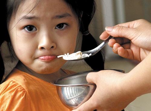 """Trước khi biết đến Nutribaby tôi rất """"chật vật"""" với từng bữa ăn của con"""