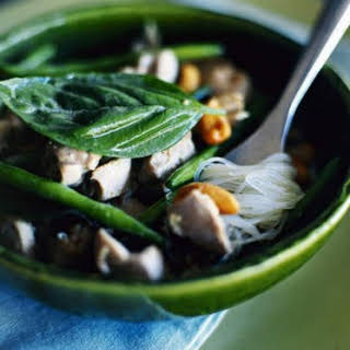 Green Chicken Curry With Cashews And Green Beans.
