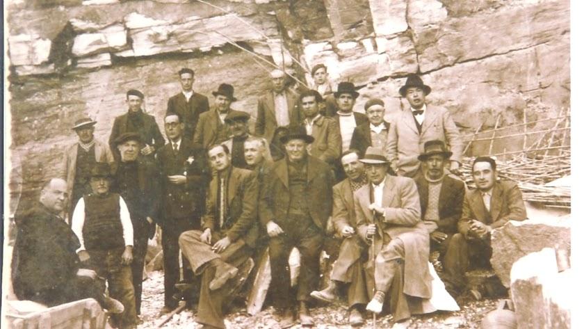 El clan de los Martínez, en 1934, con el Rematante José Martínez Cruz, en el centro.