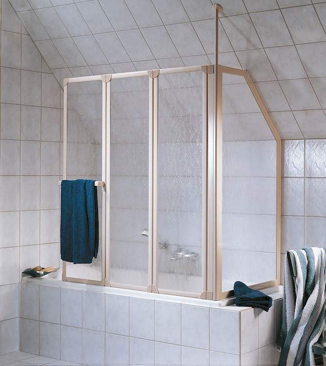 Duschkabinen_13 Prima Badewannenaufsatz, 3-teilig mit Seitenwand im Sondermass