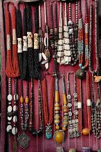 Photo: Dans les boutiques à Pokhara