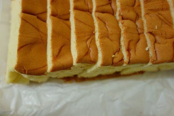 台南排隊店 名東蛋糕 現烤蛋糕~台南美食 台南伴手禮