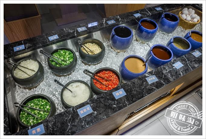 饗麻饗辣醬料區