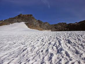Photo: Invece della via normale tentiamo la cresta Nord-Ovest. puntando dritti alle rocce a DX della Piccola Ciammarella cercando di salire verso il Colle Est della Ciammarella .