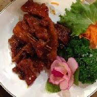 咕咕香甕缸雞