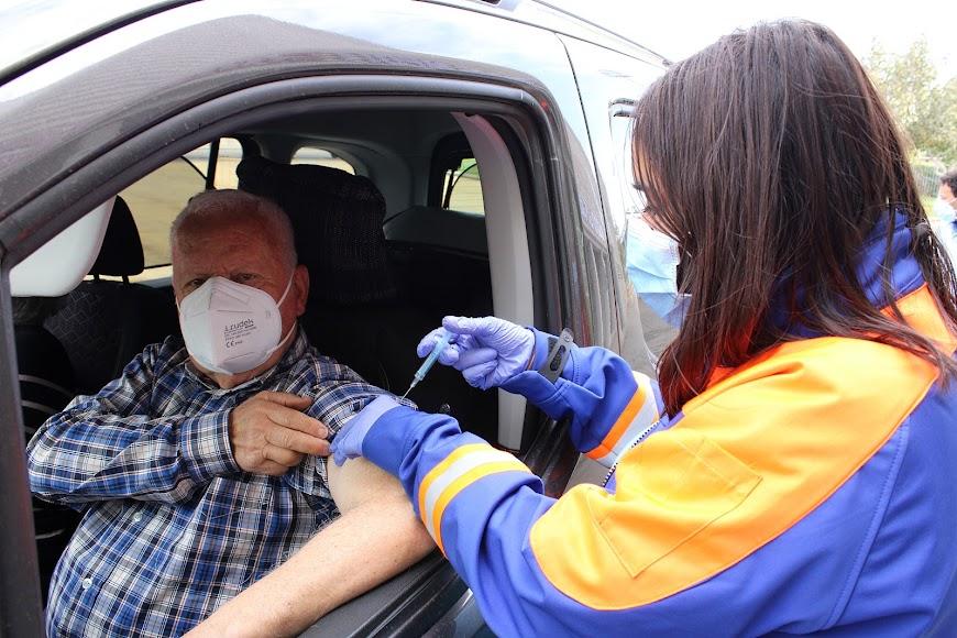 Desde Serón se desplazó José Cano para recibir su vacuna.
