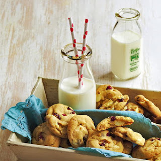 Macadamia, White Chocolate and Craisin Cookies