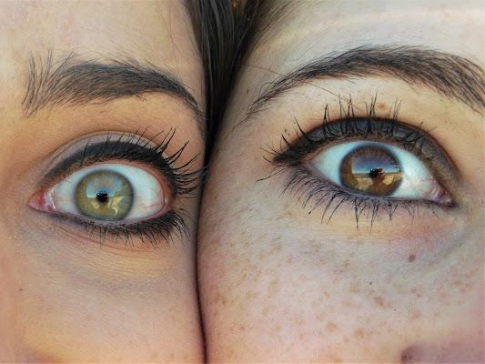 Bright Eyes. di Junēbu