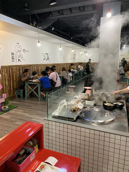 湯頭濃郁..豬肉軟嫩..比釜山的好吃!令人驚豔的料理!