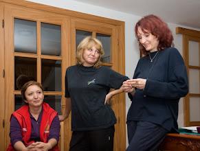 Photo: úvodný večer workshopu - Hľadáme svoj stred - a trojica usporiadateliek