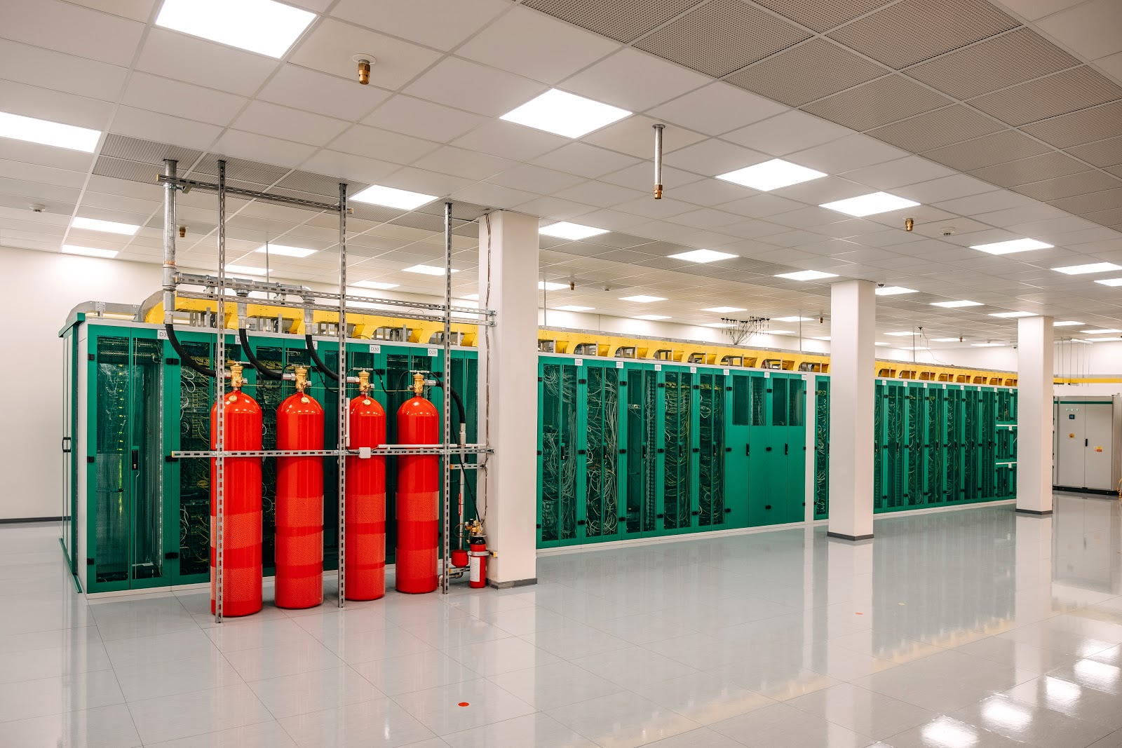 FM200 fire extinguishing system in the server room at ServerPark