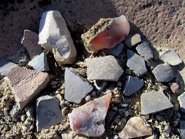 Potsherds and lithic flakes