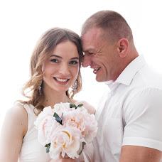 Wedding photographer Darya Buzenkova (Agosika). Photo of 24.06.2017