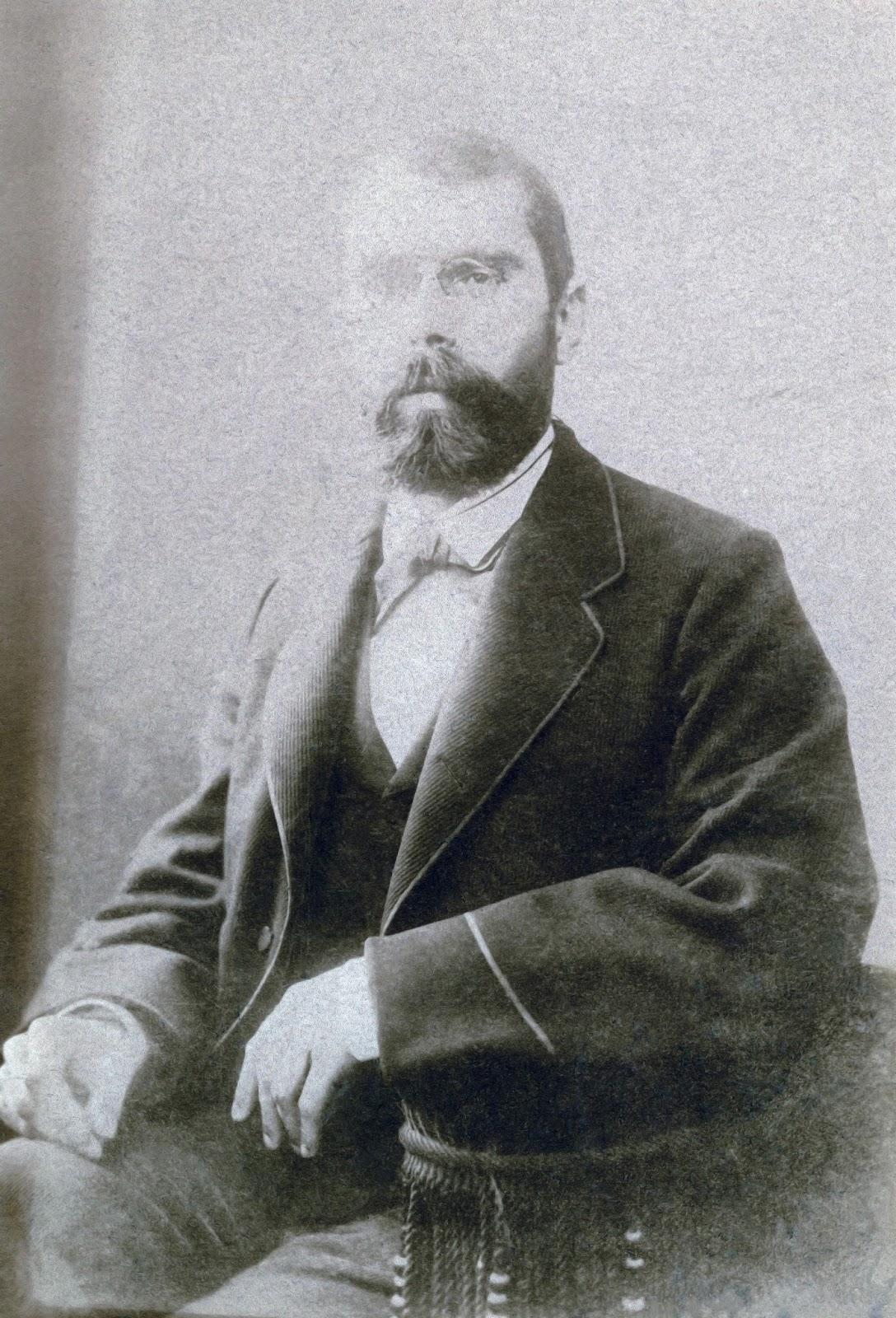 """Cette image sous son passe-partout était dans un cadre de format 19x26cm. le lot de cadres était conservé dans la salle de préhistoire.inscription au dos du cadre : """"Edouard HARLE 1850-1922"""
