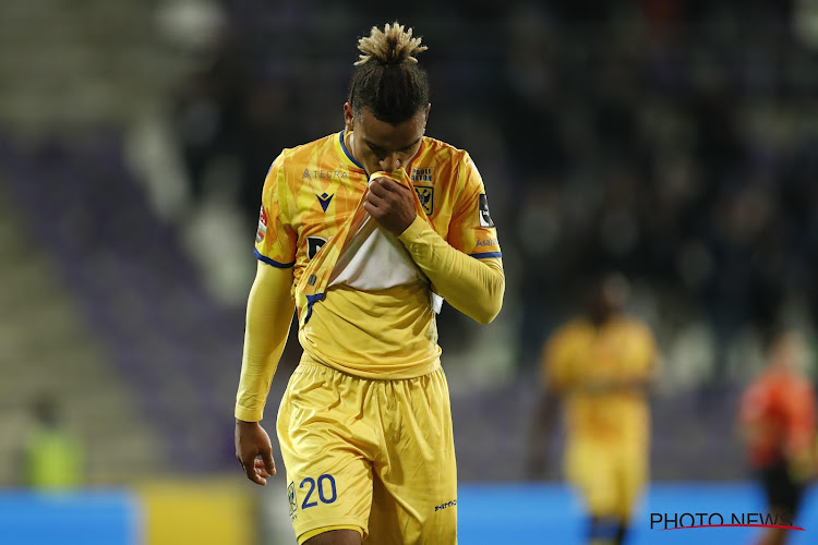 Officiel : Samy Mmaee quitte Saint-Trond pour la Hongrie