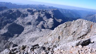 Photo: pogled proti W v  ospredju Kanjavec  ozadju Krn