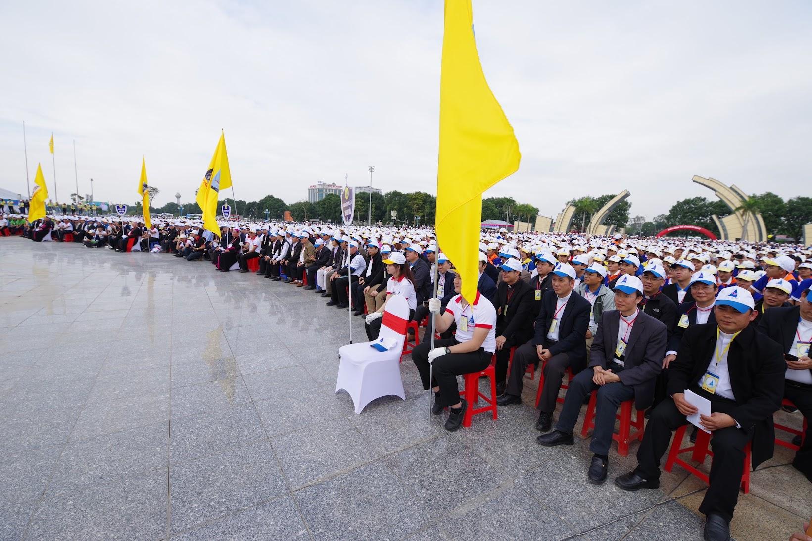 Những hình ảnh đẹp về lễ khai mạc Đại Hội Giới Trẻ giáo tỉnh Hà Nội lần thứ XV tại Thanh Hóa - Ảnh minh hoạ 45