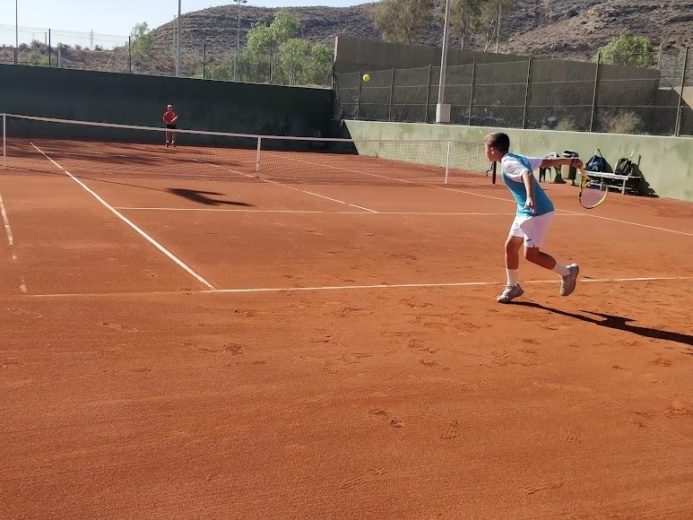 Los partidos se celebraron en el Club de Tenis Almería.