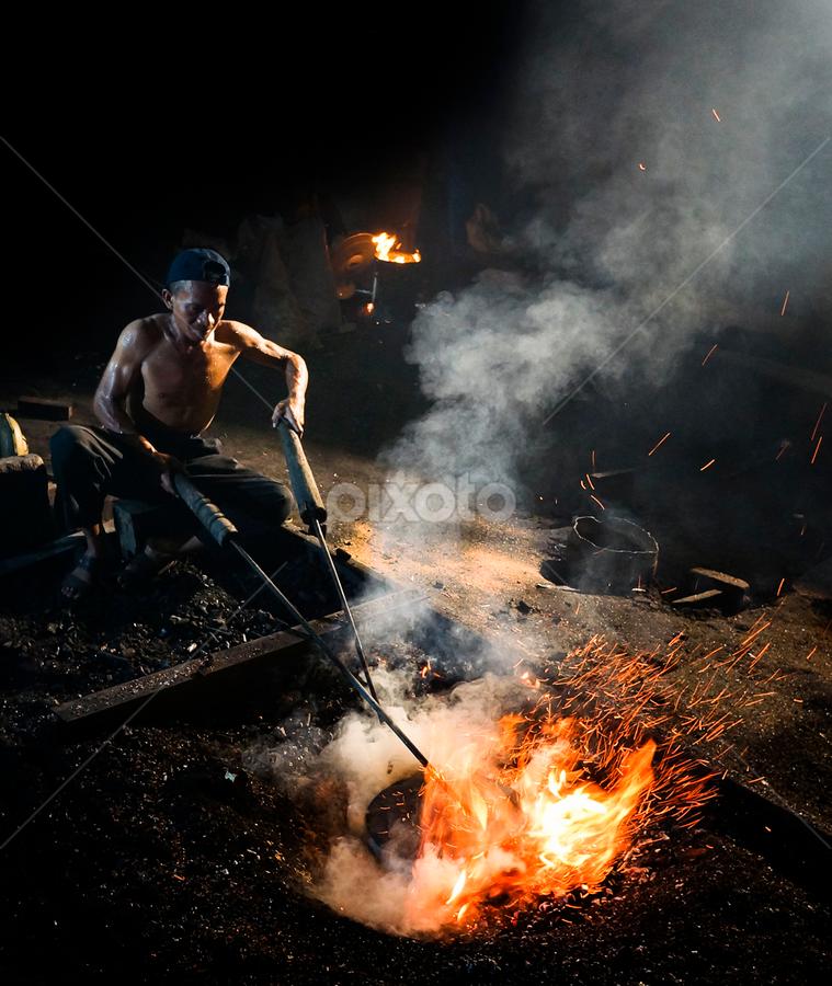 Gong's Maker by Pimpin Nagawan - People Portraits of Men