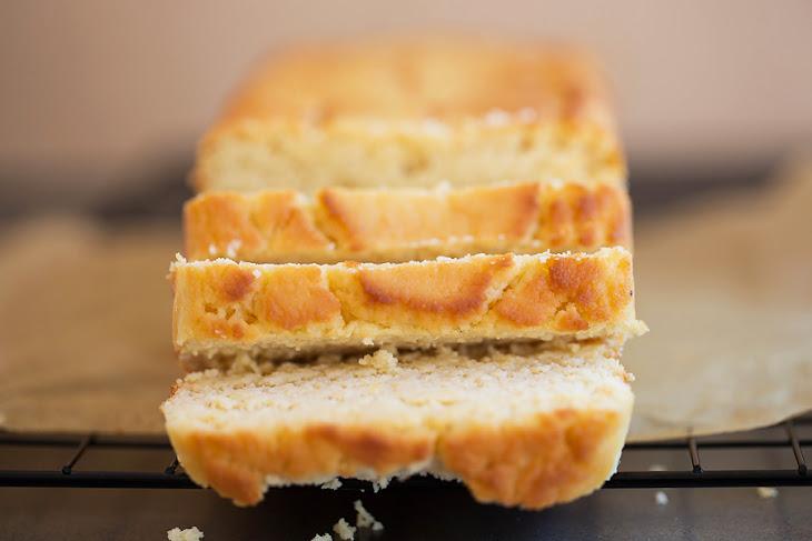 Ultra-Moist Vanilla Keto Pound Cake Recipe