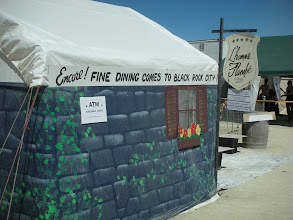 Photo: fine dining on the Playa