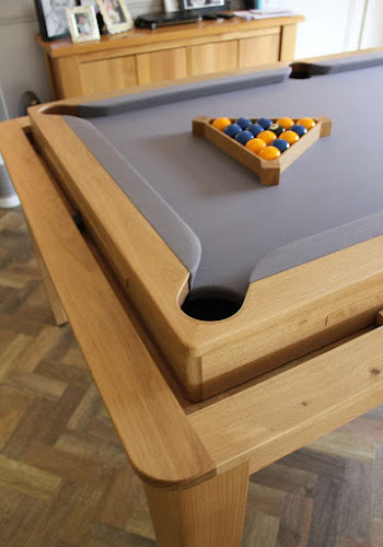 Traditional Farmhouse Kitchen Pool Table