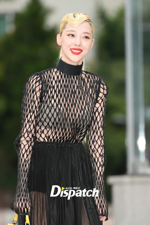 sulli seethrough dress 1