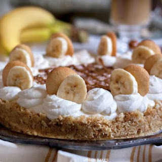 Banana and Dulce de Leche Pie with BAILEYS® Coffee Creamer Caramel