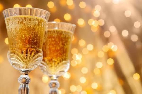 Champagne Apricot Cocktail Recipe