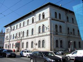 Photo: Nr.33 - Directia Regionala de Posta Cluj -  Palatul Postei  A fost construit in anul 1898  după ideile arhitectului Ray Rezső Vilmos. http://ro.wikipedia.org/wiki/Palatul_Po%C8%99tei_din_Cluj-Napoca (2011.06.14)