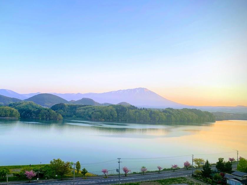 岩手山と開運橋(岩手県観光協会様提供)