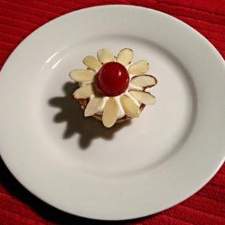 Chocolate-Cherry Mini Daisies.
