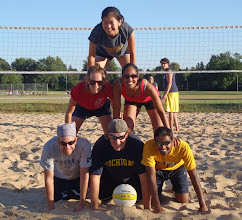 Photo: Fish Heads Volleyball Team Pyramid - organized by Emily Chi at the end of the regular season (we finished with the most wins in both divisions!) Onward to the indoor season!--