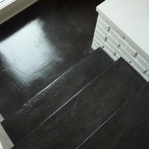 escalier design en beton cire