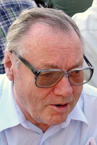 Porträt Karl Heinz Schröder.
