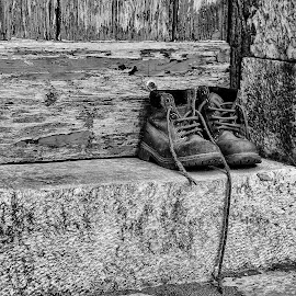 This Boots... by Mário Peneck - Black & White Street & Candid ( black and white, street, objects, street photography,  )