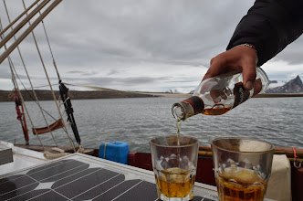 Photo: Whisky ramené d'écosse, etglaçons du svalbard