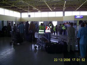 Photo: Die Gepäckausgabe, es gibt nur dieses eine Band.