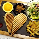 Freaks Café & Bistro 癮客餐酒館(林口旗艦店)