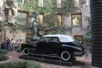 Photo: Dans l'orchestre de l'ancien théatre municipal reconverti en Musée Dali ...