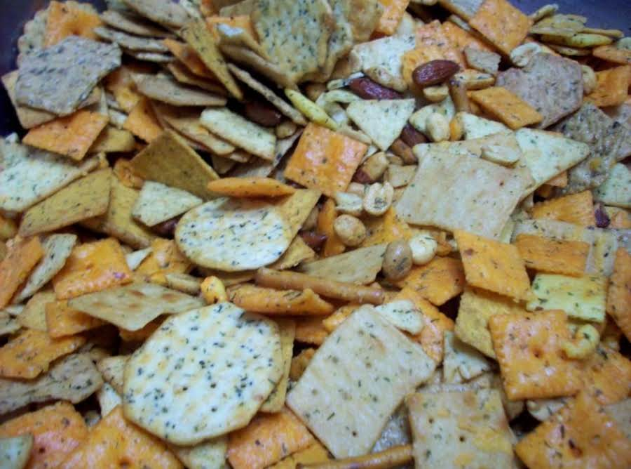 CRACKER PARTY MIX