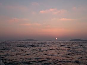 Photo: 7時回ってようやく太陽が。