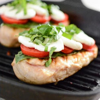 Easy Grilled Chicken Caprese.