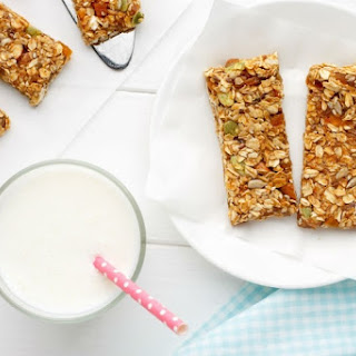 Healthy Apricot, Date Oat Bars Recipe