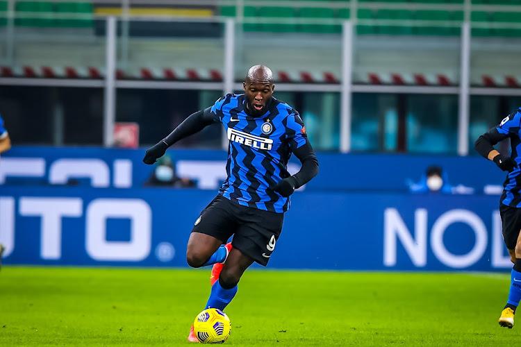 Romelu Lukaku 'ne bougera pas' de Milan malgré l'intérêt de grosses écuries