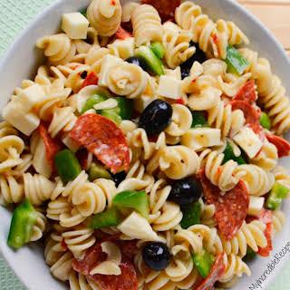 Italian Pizza Pasta Salad!.