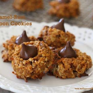 Caramel-Rum Macaroon Cookies.